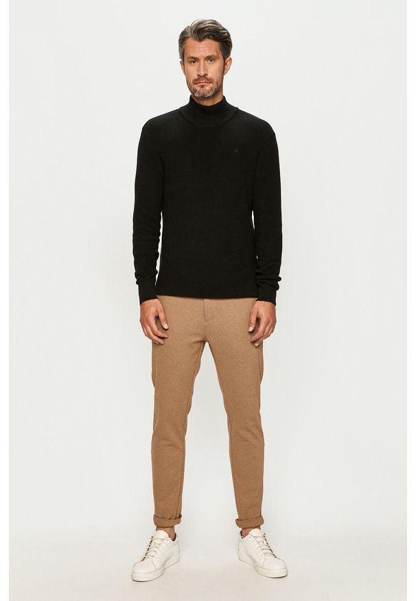 Czarny sweter Clean Cut Copenhagen z długim rękawem, z golfem