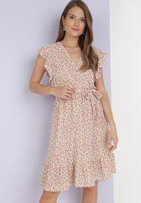 Born2be - Biało-Pomarańczowa Sukienka Dorinisse. Kolor: biały