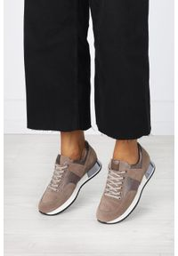 Kati - Beżowe sneakersy kati buty sportowe sznurowane polska skóra 7003. Kolor: beżowy. Materiał: skóra