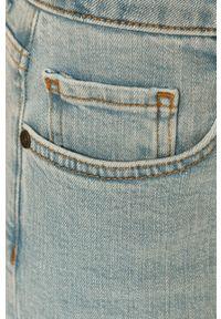 Niebieskie jeansy Noisy may w kolorowe wzory