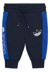 Niebieskie dresy Adidas