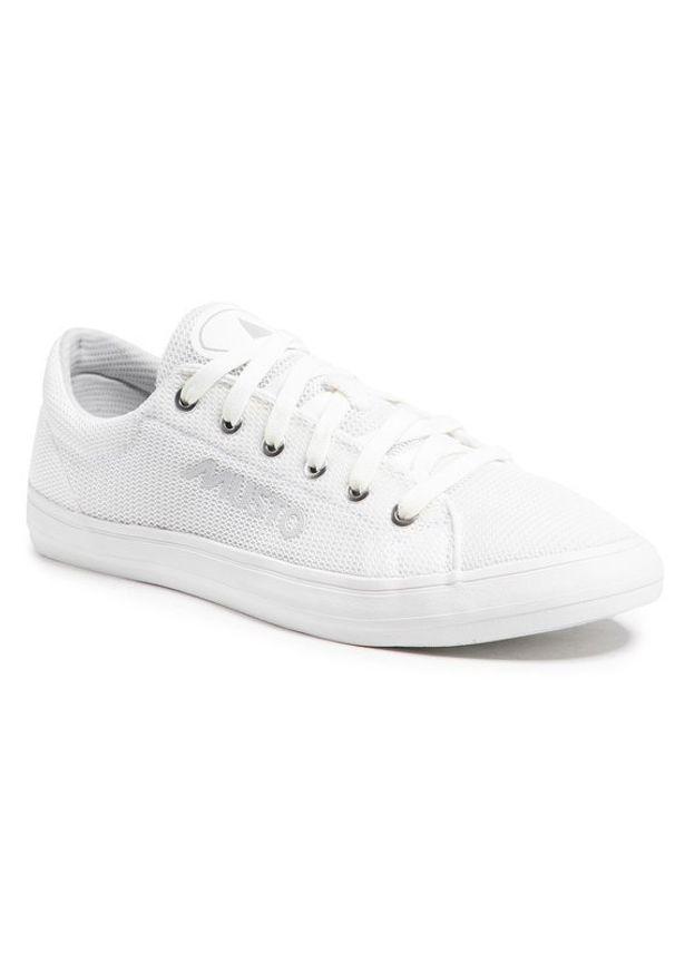 Musto Tenisówki Nautic Zephyr 82029 Biały. Kolor: biały