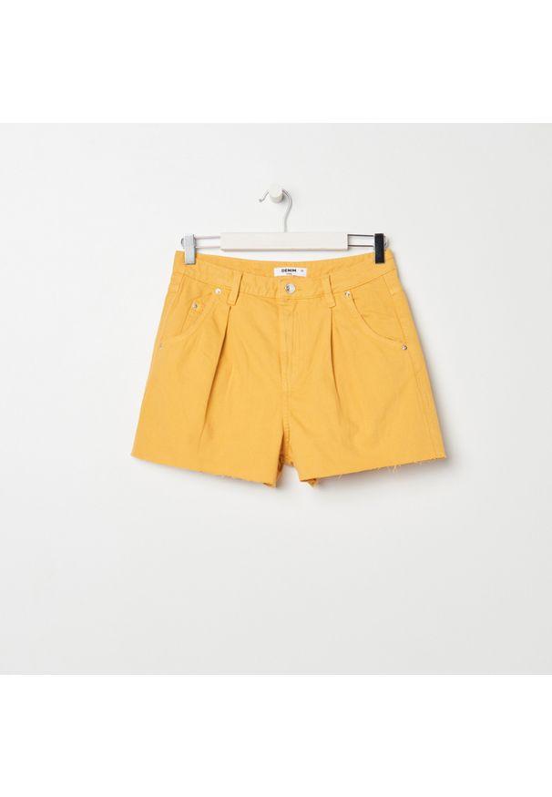 Sinsay - Szorty jeansowe - Żółty. Kolor: żółty. Materiał: jeans