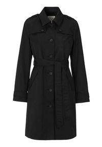 Czarny płaszcz Cellbes klasyczny