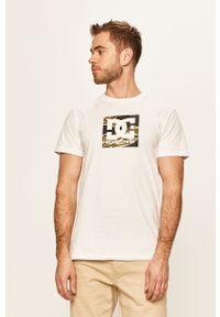 Biały t-shirt DC casualowy, na co dzień, z nadrukiem
