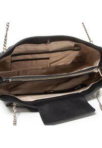 Czarna torebka klasyczna Guess casualowa