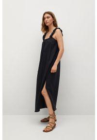 mango - Mango - Sukienka bawełniana Delos. Kolor: czarny. Materiał: bawełna. Długość rękawa: na ramiączkach