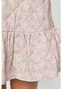 Jacqueline de Yong - Sukienka. Kolor: różowy. Materiał: tkanina