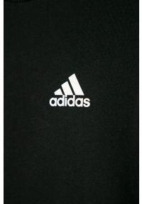 Czarny t-shirt adidas Performance na co dzień, casualowy