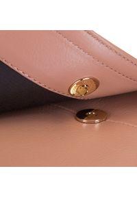 Wittchen - Damska listonoszka skórzana saddle bag. Kolor: różowy. Wzór: haft, aplikacja. Dodatki: z haftem. Materiał: skórzane. Styl: klasyczny, elegancki, retro