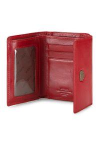 Wittchen - Damski portfel skórzany z herbem na bigiel. Kolor: czerwony. Materiał: skóra