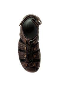 Brązowe sandały Clarks na lato