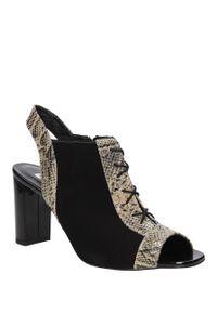 Czarne sandały Kaniowski na co dzień, na lato, w kolorowe wzory