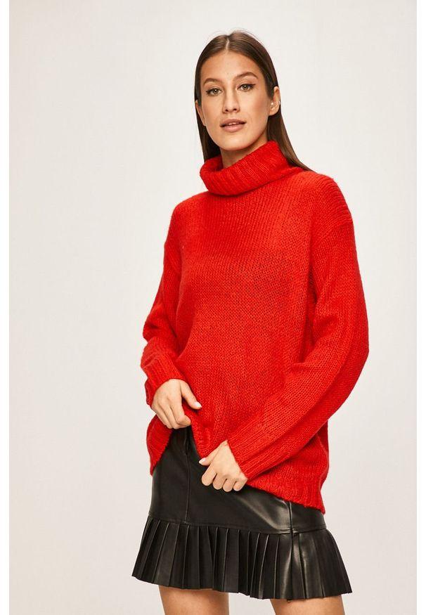 Czerwony sweter ANSWEAR z golfem