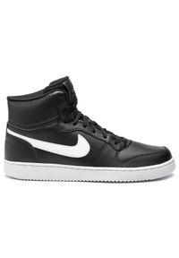 Czarne półbuty Nike klasyczne, na co dzień, z cholewką