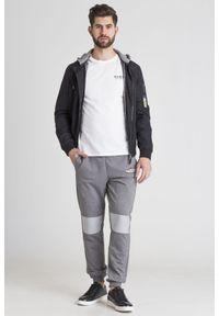 Spodnie dresowe Guess z napisami