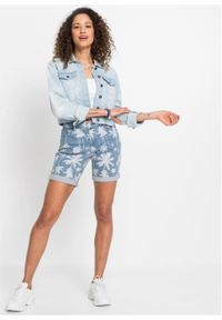 """Szorty dżinsowe z bawełny organicznej bonprix niebieski """"bleached"""" z kwiatowym nadrukiem. Kolor: niebieski. Wzór: nadruk, kwiaty. Sezon: lato"""