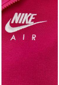 Nike Sportswear - Bluza. Kolor: różowy. Materiał: dzianina. Wzór: nadruk