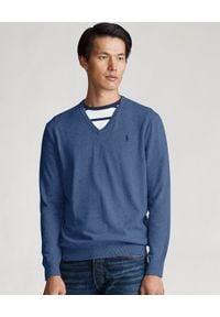 Ralph Lauren - RALPH LAUREN - Niebieski sweter w serek Slim Fit. Okazja: na co dzień. Typ kołnierza: dekolt w serek. Kolor: niebieski. Materiał: dzianina, bawełna. Wzór: haft. Styl: casual, klasyczny