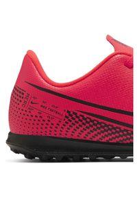 Buty piłkarskie turfy dla dzieci Nike Mercurial Vapor 13 Club TF AT8177. Materiał: guma, syntetyk, skóra. Szerokość cholewki: normalna. Sport: piłka nożna