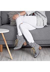 Szare botki Zapato z cholewką za kostkę, boho, na zimę
