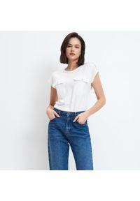 Mohito - Koszulka z kieszonką - Biały. Kolor: biały