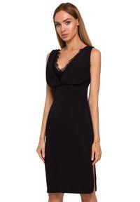 MOE - Elegancka sukienka z gładkiej, lejącej tkaniny z koronką. Materiał: tkanina, koronka. Długość rękawa: bez rękawów. Wzór: gładki, koronka. Typ sukienki: dopasowane. Styl: elegancki