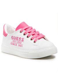 Guess - Sneakersy GUESS - Andrea FI5AND ELE12 CHERR. Okazja: na co dzień. Kolor: biały. Materiał: skóra ekologiczna, materiał. Szerokość cholewki: normalna. Styl: casual