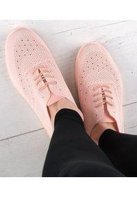 Różowe buty sportowe N/M trekkingowe, w ażurowe wzory, bez zapięcia