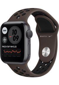 APPLE - Smartwatch Apple Watch SE Nike GPS 40mm Space Grey Alu Platinium Sport + Cellular Brązowy (MKR53WB/A). Rodzaj zegarka: smartwatch. Kolor: brązowy. Styl: sportowy