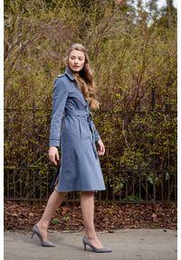 Marie Zélie - Trencz Adria bawełna z elastanem szarobłękitny. Kolor: niebieski. Materiał: bawełna, elastan. Sezon: lato. Styl: klasyczny #5