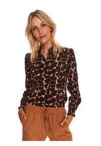 TOP SECRET - Dopasowana koszula w zwierzęcy nadruk. Kolor: beżowy. Materiał: tkanina, wiskoza. Długość rękawa: długi rękaw. Długość: długie. Wzór: motyw zwierzęcy, nadruk. Sezon: jesień. Styl: elegancki