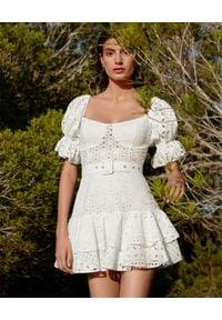 CHARO RUIZ IBIZA - Biała sukienka z haftem Jean. Kolor: biały. Materiał: bawełna. Wzór: haft. Długość: mini