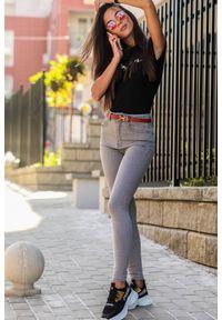 Szare jeansy IVET sportowe