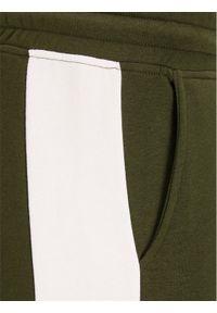 Jack & Jones - Jack&Jones Spodnie dresowe Will 12197199 Zielony Regular Fit. Kolor: zielony. Materiał: dresówka #6