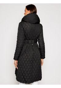 Czarny płaszcz zimowy Guess