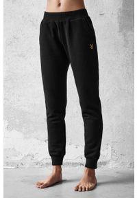 Czarne spodnie dresowe Cardio Bunny gładkie