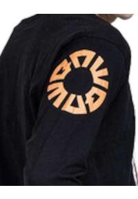 ROBERT KUPISZ - Czarny t-shirt Now Signature Longsleeve. Kolor: czarny. Materiał: bawełna. Długość rękawa: długi rękaw. Wzór: nadruk, kolorowy
