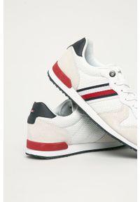 Białe sneakersy TOMMY HILFIGER z cholewką, na sznurówki, z okrągłym noskiem