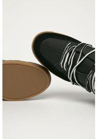 Czarne botki Calvin Klein z okrągłym noskiem, na koturnie, na średnim obcasie, z cholewką