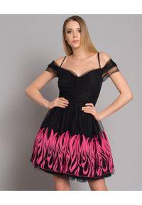 Pinko - PINKO - Sukienka z tiulem Chachacha. Kolor: czarny. Materiał: tiul. Długość rękawa: na ramiączkach. Wzór: haft, aplikacja. Typ sukienki: rozkloszowane. Styl: elegancki. Długość: mini