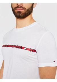 TOMMY HILFIGER - Tommy Hilfiger T-Shirt Logo UM0UM01915 Biały Regular Fit. Kolor: biały