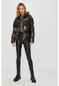 Calvin Klein Jeans - Sweter. Kolor: szary. Długość rękawa: długi rękaw. Długość: długie. Wzór: ze splotem