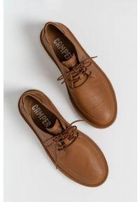 Camper - Półbuty skórzane Morrys. Nosek buta: okrągły. Zapięcie: sznurówki. Kolor: brązowy. Materiał: skóra