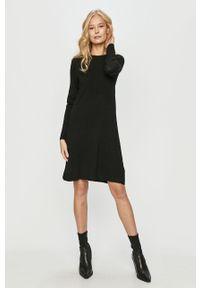 Czarna sukienka only casualowa, z długim rękawem, rozkloszowana