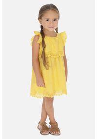 Żółta sukienka Mayoral rozkloszowana, z dekoltem typu hiszpanka