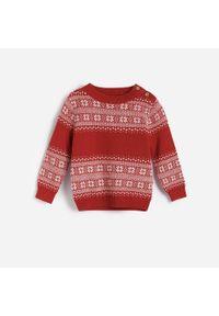 Czerwona bluza Reserved na zimę