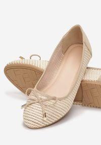 Born2be - Jasnobeżowe Balerinki Viviexie. Nosek buta: okrągły. Zapięcie: bez zapięcia. Kolor: beżowy. Szerokość cholewki: normalna. Wzór: gładki. Styl: boho, klasyczny, elegancki