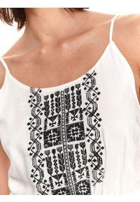 TOP SECRET - Mini sukienka z haftem i wiązaniem po bokach. Kolor: biały. Materiał: tkanina. Długość rękawa: na ramiączkach. Wzór: haft. Długość: mini