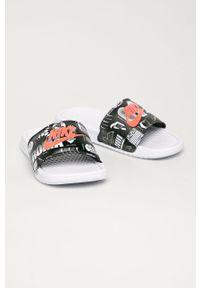 Czarne klapki Nike Sportswear